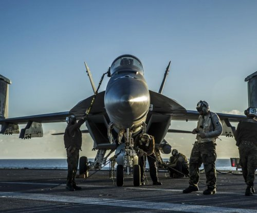 U.S. Navy planning to extend service life of F/A-18 fleet