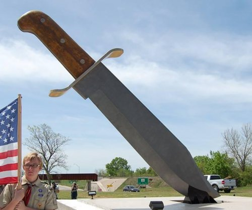 Town of Bowie, Texas, seeks record for 'world's largest knife'