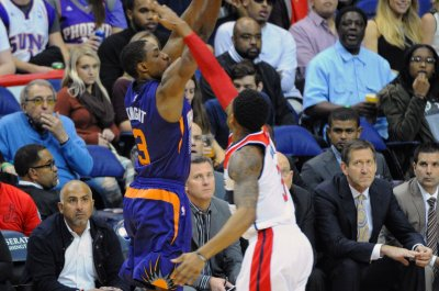 Phoenix Suns PG Brandon Knight undergoes sports hernia surgery