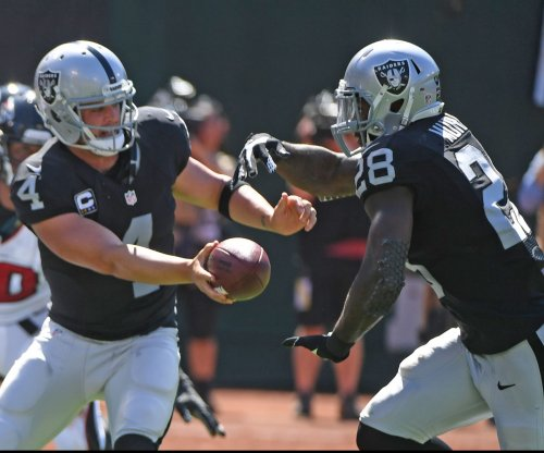Oakland Raiders keep Latavius Murray fresh for the long run