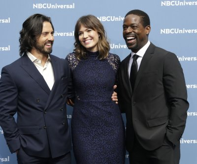 NBC orders full season of 'This is Us'