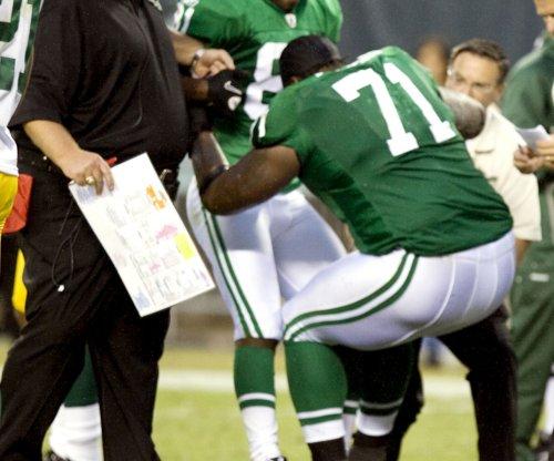 Monday Night Football: Philadelphia Eagles LT Jason Peters (leg) carted off field