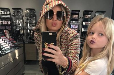 Jessica Simpson's daughter goes 'girly goth' in new photo