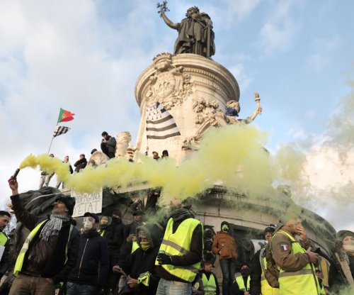 Angered by Notre Dame donations, Yellow Vests plan Saturday protest