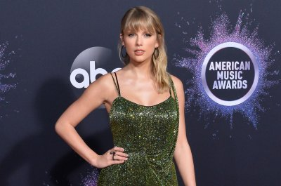 Taylor Swift wins big at the 2019 American Music Awards