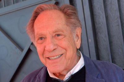 George Segal, 'Goldbergs,' 'Just Shoot Me!' star, dead at 87