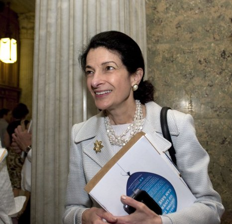 Health bill praised for reducing deficit