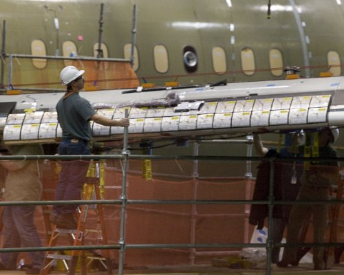 Boeing agrees to new severance package