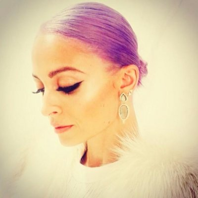 Nicole Richie dyes her hair purple
