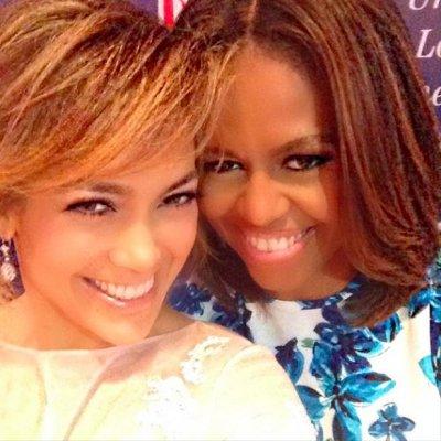 Jennifer Lopez shares selfie with Michele Obama at LULAC convention