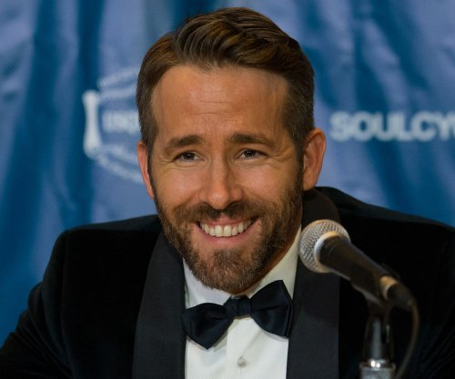 Ryan Reynolds: Jake Gyllenhaal is 'better' cook than Blake Lively