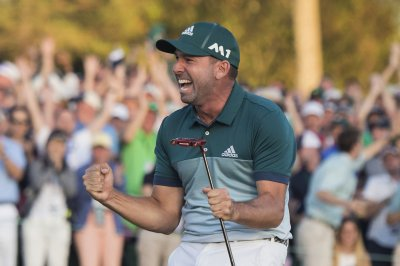 Sergio Garcia wins Masters in playoff for first major title