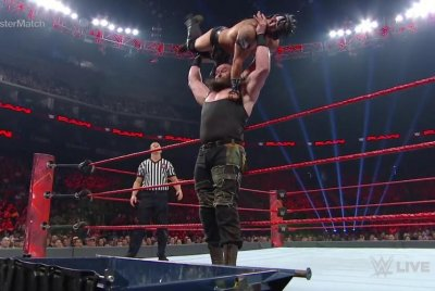 WWE Raw: Braun Strowman punishes Kalisto, Bray Wyatt reigns supreme