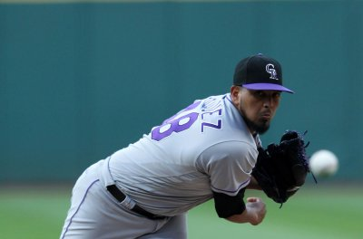 Rockies roll into New York to face desperate Mets
