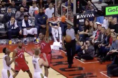Kawhi Leonard throws down dunk on Pacers big man