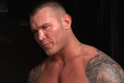 WWE Smackdown: Randy Orton wins grueling Gauntlet Match