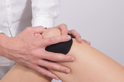 Success of knee replacement depends on timing, study says