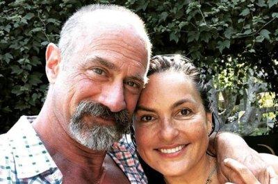 Mariska Hargitay, Christopher Meloni tease 'Law & Order' reunion