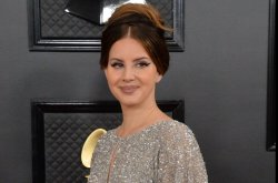Lana Del Rey unveils, defends 'Chemtrails Over the Country Club' album cover