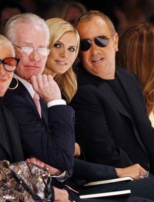 Gunn, Roberts set for Oscar pre-show