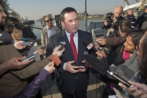 Canada mulls huge immigration backlog