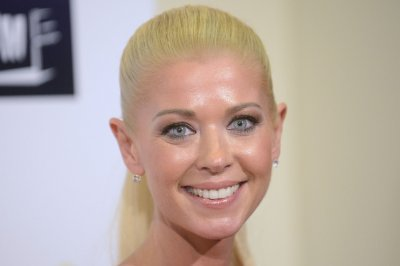 Tara Reid, Ian Ziering to return for 'Sharknado 3'