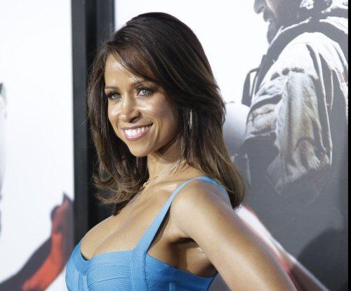 Stacey Dash criticizes Oscar boycott, BET