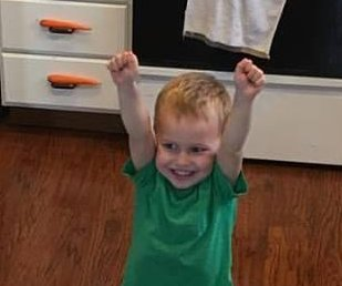 Carrot-balancing 3-year-old is the hero Twitter deserves