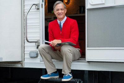 Tom Hanks channels Mister Rogers in first photo from film