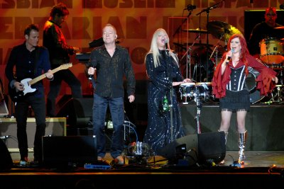 The B-52s to embark on 40th anniversary tour