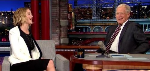 Jennifer Lawrence conquers fear of singing on 'Letterman'