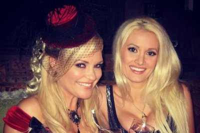 Bridget Marquardt supports Holly Madison and her tell-all book
