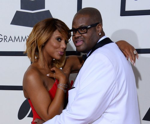 Tamar Braxton serenades husband amid divorce rumors