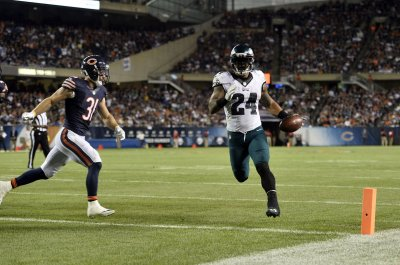 Ryan Mathews scores twice to lead Philadelphia Eagles past Chicago Bears