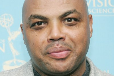Auburn to honor Charles Barkley with statue