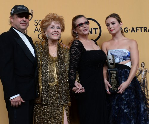 Public memorial planned for Debbie Reynolds and Carrie Fisher on March 25