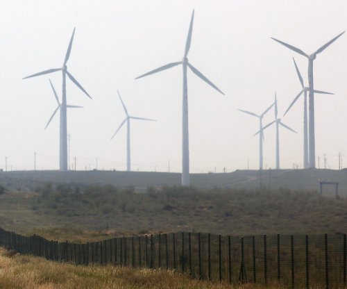 U.S. wind power accelerating at near-record pace