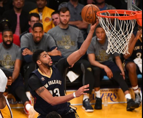 Anthony Davis of New Orleans Pelicans day-to-day with knee injury