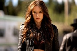 Melanie Scrofano on 'Earp' legacy: 'Be whoever you are'