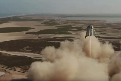 SpaceX's Starhopper hits new height in test flight