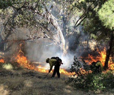 L.A. County homes evacuated as Lake Fire grows to 10K acres in hours