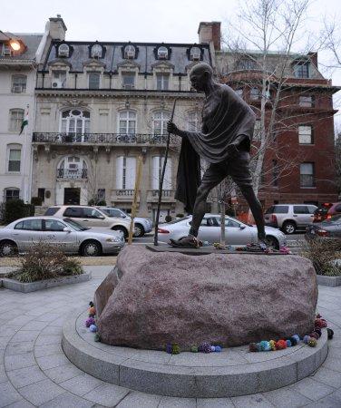 Gandhi's grandson praises social media