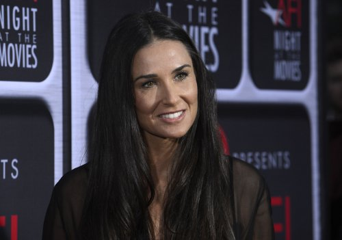 Demi Moore reaches out to Ashton Kutcher, offers to help with pregnant Mila Kunis