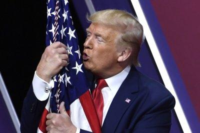 Trump touts coronavirus response, criticizes Democrats at CPAC