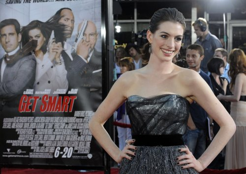 Anne Hathaway joins 'Wonderland' cast
