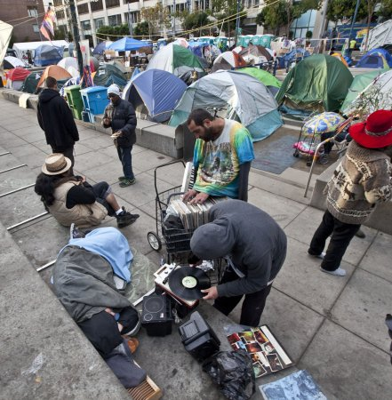 LA offers new camp site; NYC media upset