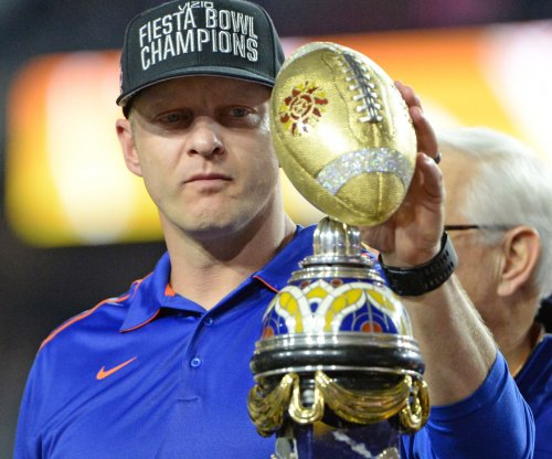 Boise State holds off Arizona in Fiesta Bowl