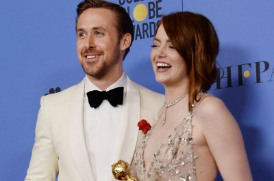 'La La Land,' 'Moonlight' triumph at the Golden Globes