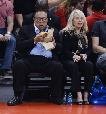 Judge rules against Donald Sterling, Shelly will sell Clippers to Steve Ballmer