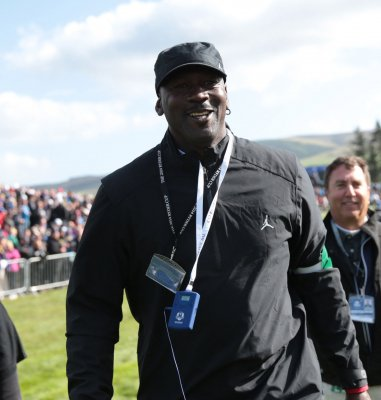 Michael Jordan: Obama's a 'hack' on the golf course